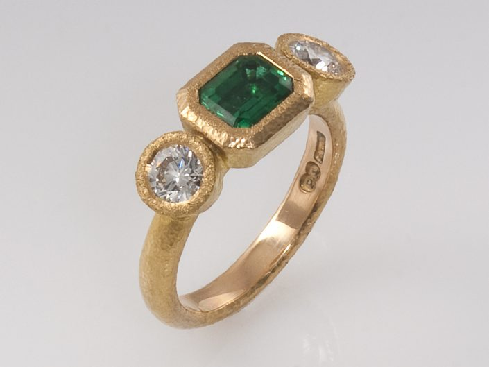 Piere 22ct Emerald Diamond Ring