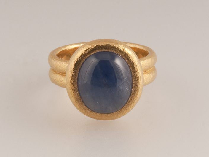 Piere 22ct Star Sapphire Ring