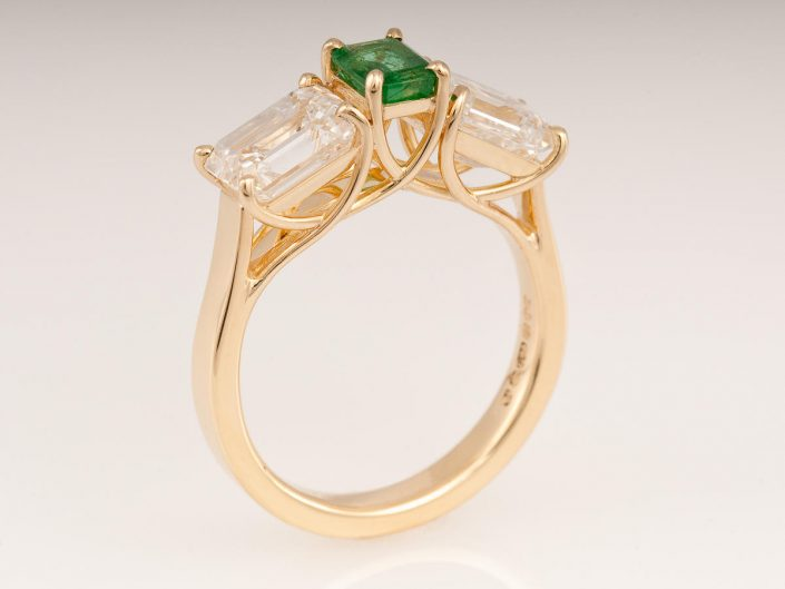 Piere Diamond Emerald Ring