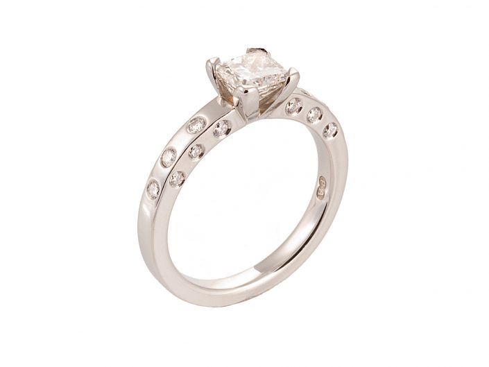 Piere Princess Diamond Ring